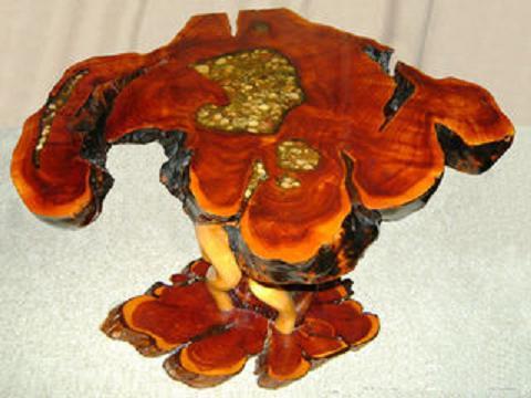 kak-sdelat-dekorativnuy-stolik-svoimi-rukami-11