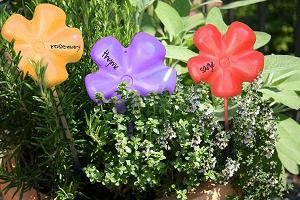 tablichki-dlya-cvetov