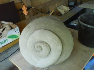 sadovaya-skulptura-iz-betona-svoimi-rukami-2