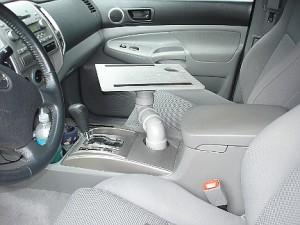 stolik-v-avtomobil-svoimi-rukami-5