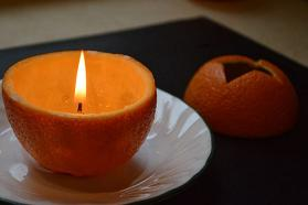 svecha-iz-apelsina-svoimi-rukami-8