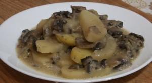 Рецепт вкусненькой картошки с шампиньонами запеченной в духовке
